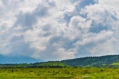 Μεγάλα ισχυρά σύννεφα καταιγίδας θύελλας στοκ φωτογραφία με δικαίωμα ελεύθερης χρήσης