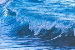 Μεγάλα κύματα από τον ωκεανό Στοκ εικόνα με δικαίωμα ελεύθερης χρήσης