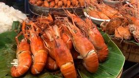 Μεγάλα τρόφιμα οδών της Ταϊλάνδης Μπανγκόκ γαρίδων τιγρών φιλμ μικρού μήκους