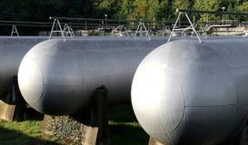 Μεγάλες δεξαμενές για την αποθήκευση του αερίου μεθανίου Στοκ εικόνες με δικαίωμα ελεύθερης χρήσης