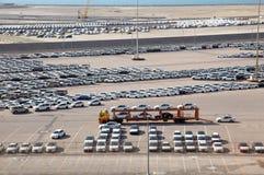 Μεγάλη αποθήκη εμπορευμάτων των αυτοκινήτων Στοκ εικόνες με δικαίωμα ελεύθερης χρήσης