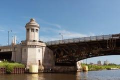 Μεγάλη γέφυρα σε μια πόλη του Σικάγου Στοκ Εικόνες