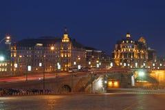 Μεγάλη γέφυρα Moskvoretsky και κάθοδος Vasilevsky στοκ φωτογραφία
