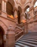 Μεγάλη δυτική σκάλα στο κράτος της Νέας Υόρκης Capitol στοκ εικόνες