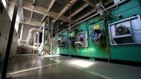 Μεγάλη εργασία μηχανών εργοστασίων σε μια δυνατότητα απόθεμα βίντεο