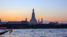 Μεγάλη παγόδα σε Wat Arun Ratchawararam Ratchawaramahawihan φιλμ μικρού μήκους