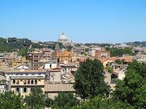 Μεγάλη Ρώμη sityscape που βλέπει από το λόφο Aventine στοκ φωτογραφία με δικαίωμα ελεύθερης χρήσης
