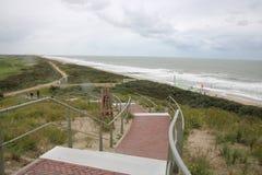 Μεγάλη σκάλα επάνω Διάβαση πεζών μέσω των αμμόλοφων στοκ εικόνες