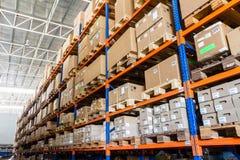 Μεγάλη σύγχρονη αποθήκη εμπορευμάτων