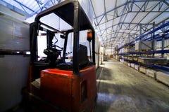 Μεγάλη σύγχρονη αποθήκη εμπορευμάτων Στοκ φωτογραφία με δικαίωμα ελεύθερης χρήσης
