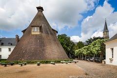 Μεγάλοι προηγούμενοι κωνικοί υαλουργικοί κλίβανος και κανόνες στο πύργο Verrerie, LE Creusot, Γαλλία στοκ εικόνες