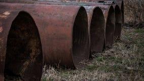 Μεγάλοι σωλήνες σιδήρου έξω Στοκ Φωτογραφίες