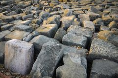 Μεγάλος γκρίζος βράχος Στοκ εικόνα με δικαίωμα ελεύθερης χρήσης