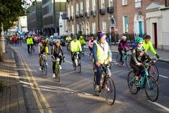 Μεγάλος γύρος ποδηλάτων του Δουβλίνου ποδηλατών στοκ φωτογραφία με δικαίωμα ελεύθερης χρήσης