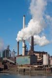 μεγάλος ολλανδικός χάλυβας εργοστασίων καπνοδόχων Στοκ φωτογραφία με δικαίωμα ελεύθερης χρήσης