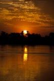 μεγάλος πέρα από το ηλιοβασίλεμα ποταμών Στοκ Εικόνες