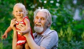 μεγάλος παππούς κορών Στοκ φωτογραφίες με δικαίωμα ελεύθερης χρήσης