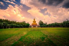 μεγάλο άγαλμα του Βούδα στοκ φωτογραφία με δικαίωμα ελεύθερης χρήσης