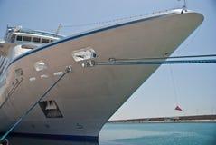 μεγάλο δεμένο σκάφος τόξω& Στοκ εικόνα με δικαίωμα ελεύθερης χρήσης