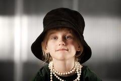μεγάλο καπέλο κοριτσιών Στοκ φωτογραφία με δικαίωμα ελεύθερης χρήσης