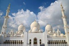 Μεγάλο μουσουλμανικό τέμενος Zayed Σεϊχης στο Αμπού Ντάμπι Στοκ εικόνα με δικαίωμα ελεύθερης χρήσης
