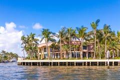 Μεγάλο σπίτι στο Fort Lauderdale Στοκ φωτογραφία με δικαίωμα ελεύθερης χρήσης