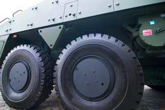 μεγάλο στρατιωτικό όχημα ροδών Στοκ εικόνα με δικαίωμα ελεύθερης χρήσης