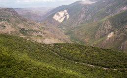 μεγάλα βουνά βουνών τοπίων Το τοπίο στην Αρμενία (Tatev) Στοκ Εικόνες