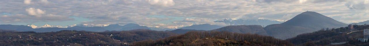 μεγάλα βουνά βουνών τοπίων Στοκ εικόνες με δικαίωμα ελεύθερης χρήσης
