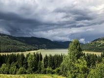 μεγάλα βουνά βουνών τοπίων Στοκ Φωτογραφία