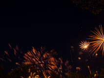 Μεγάλα ζωηρόχρωμα πυροτεχνήματα Στοκ Φωτογραφίες