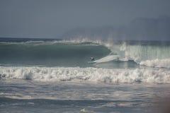 μεγάλα κύματα σερφ Στοκ φωτογραφία με δικαίωμα ελεύθερης χρήσης