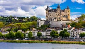 Μεγάλα μεσαιωνικά κάστρα της κοιλάδας της Loire - όμορφο Saumur φράγκο Στοκ Εικόνες