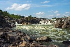 Μεγάλα ορμητικά σημεία ποταμού πτώσεων Στοκ Εικόνες