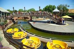 Μεγάλα ορμητικά σημεία ποταμού φαραγγιών έλξης στο λιμένα Aventura θεματικών πάρκων στην πόλη Salou, Ισπανία Στοκ Φωτογραφίες