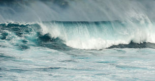 Μεγάλα σαγόνια Maui Χαβάη κυμάτων Στοκ φωτογραφία με δικαίωμα ελεύθερης χρήσης