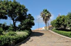 Μεγάλα σκαλοπάτια που οδηγούν στο ιστορικό ανώτερο Presidio Στοκ φωτογραφίες με δικαίωμα ελεύθερης χρήσης