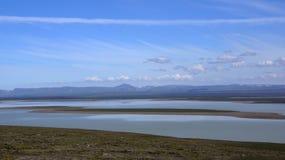 Μεγάλη λίμνη Blöndolon στο τέλος του Kjolur Στοκ φωτογραφία με δικαίωμα ελεύθερης χρήσης