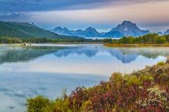 Μεγάλη αντανάκλαση Teton στην ανατολή Στοκ φωτογραφία με δικαίωμα ελεύθερης χρήσης