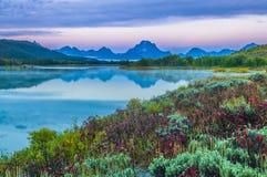 Μεγάλη αντανάκλαση Teton στην ανατολή Στοκ Εικόνες