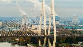 Μεγάλη γέφυρα Obukhov στην Άγιος-Πετρούπολη Αυτή η καλώδιο-μένοντη γέφυρα πέρα από τον ποταμό Neva, ο οποίος συνδέει τις δύο ακτέ απόθεμα βίντεο