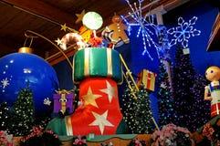 Μεγάλη εσωτερική επίδειξη Χριστουγέννων ή διακοπών Στοκ Εικόνες