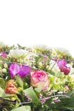 Μεγάλη ζωηρόχρωμη δέσμη των θερινών λουλουδιών, που απομονώνεται Στοκ Εικόνες