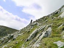 Μεγάλη κορυφή πετρών πλησίον της πιό κατώτατης ανατολικής κορυφογραμμής λούτσων Στοκ Εικόνες