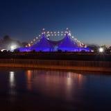 Μεγάλη μπλε σκηνή τοπ ύφους τσίρκων Στοκ φωτογραφίες με δικαίωμα ελεύθερης χρήσης