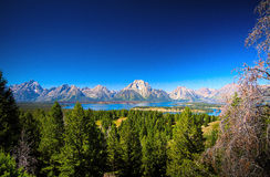 Μεγάλη σειρά βουνών Teton, λίμνη του Τζάκσον, μεγάλο εθνικό πάρκο Teton, ΗΠΑ Στοκ εικόνα με δικαίωμα ελεύθερης χρήσης