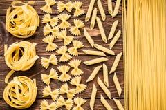 Μεγάλη συλλογή των ιταλικών ζυμαρικών Στοκ εικόνα με δικαίωμα ελεύθερης χρήσης