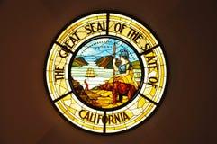 Μεγάλη σφραγίδα του κράτους Καλιφόρνιας στο λεκιασμένο γυαλί Στοκ Εικόνες