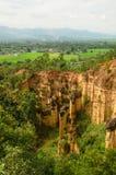 Μεγάλοι απότομοι βράχοι ψαμμίτη στην Ταϊλάνδη Στοκ Φωτογραφίες