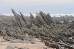 Μεγάλοι βράχοι στην παραλία Στοκ φωτογραφίες με δικαίωμα ελεύθερης χρήσης